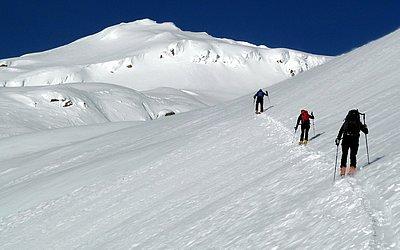 skitouren-schneeschuhwandern-winterwandern-virgen-virgental (1).JPG