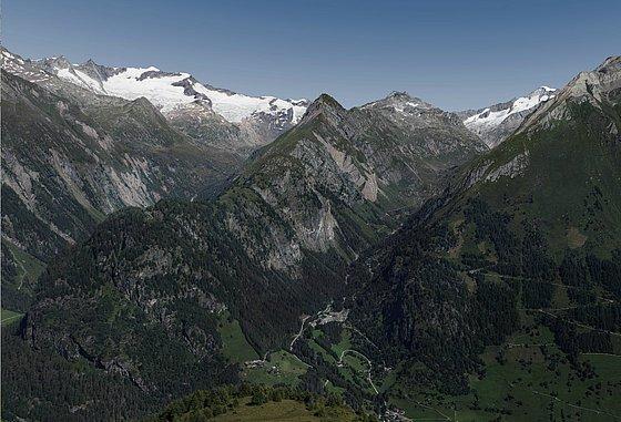 Venediger Höhenweg - Siehe hier das Panoramabild welche traumhaften Gipfeltouren vom  aus möglich sind.