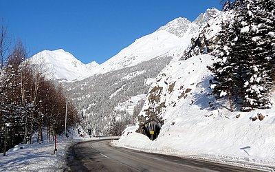 virgentalstrasse-winter-Tunnel-virgen-praegraten.JPG