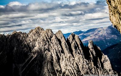 Senkrecht nach oben - Klettern, Boulden