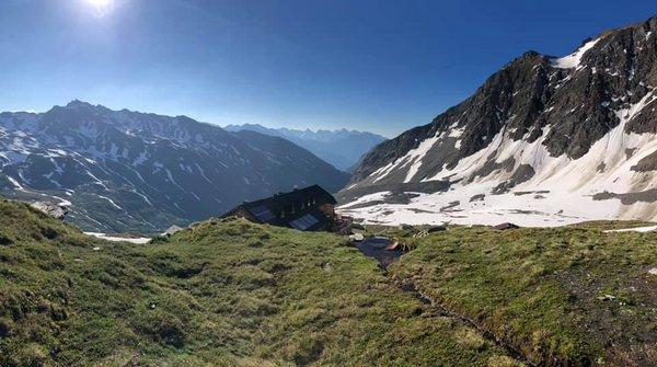 Badener Hütte 2.608m